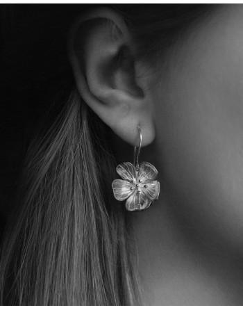 Hilla hanging earrings