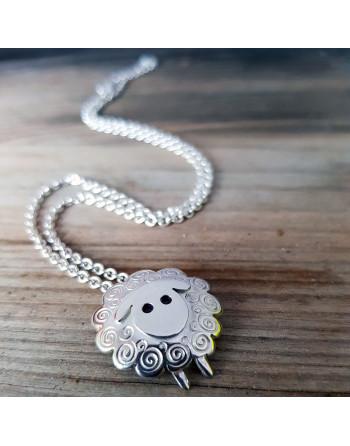 Big sheep pendant with chain