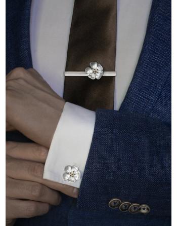 Hilla cuff links & tie clip