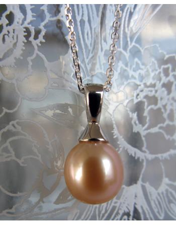 Apricot droplet pendant